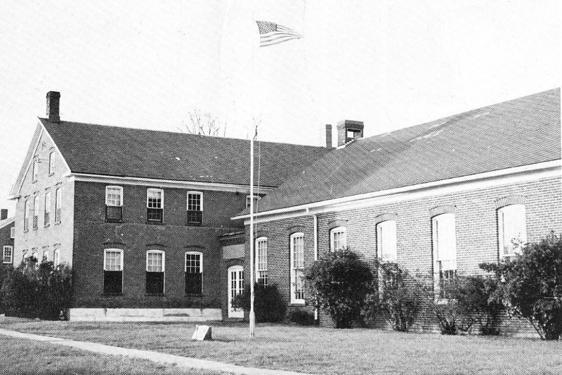 Amana Consolidated School